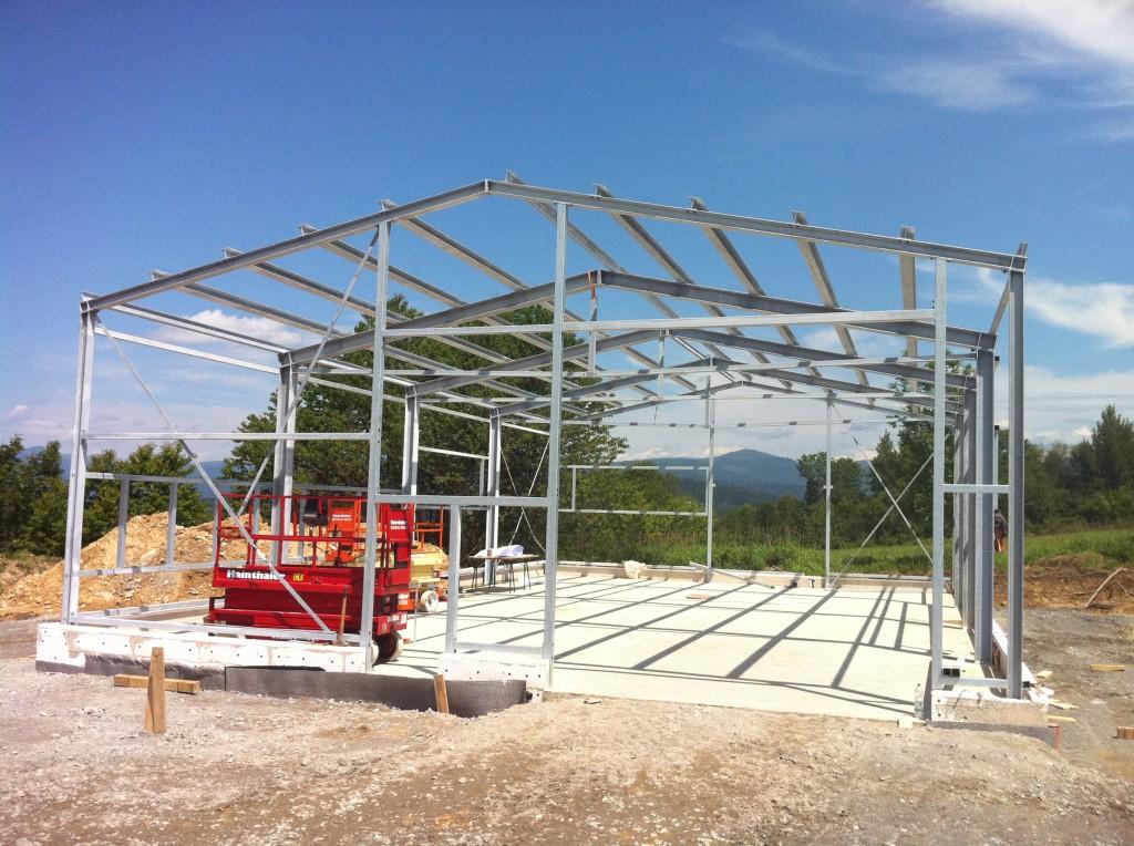 Montage einer Stahlhalle in Hohenau (Foto 2)